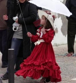малка дама на карнавал в Сесимбра - снимка - kikabelata