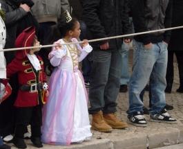 принц и принцеса на карнавал в Сесимбра - снимка - kikabelata