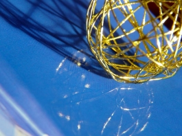 golden wire ball