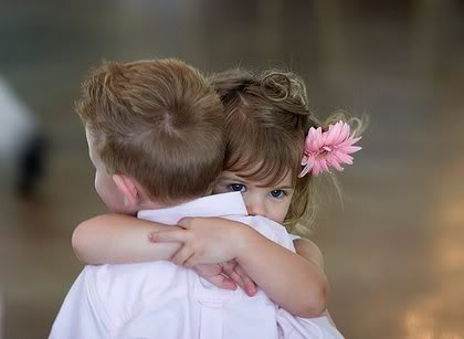 прегръдка - източник: интернет